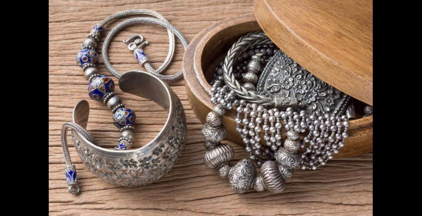 Comment nettoyer ses bijoux en argent ?
